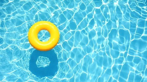 Should you Buy a Home with a Swimming Pool?